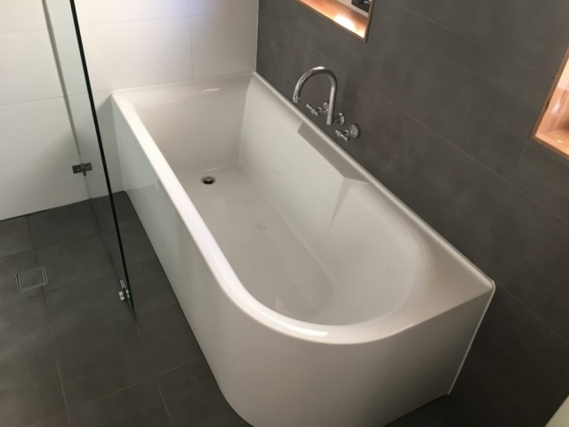 Bathroom Renovation, Upgrade, Bathtub