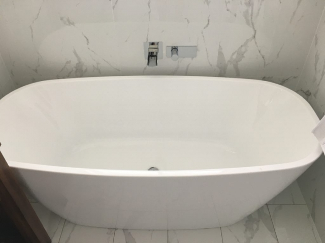 Bathroom Renovation, Upgrade, Tapware, Bath Tub,